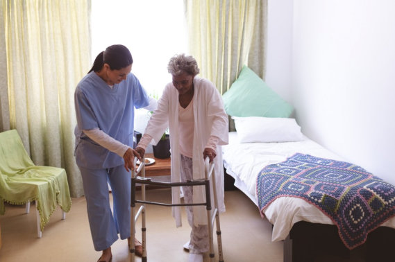 Elderly Care: When to Acquire In-Home Services