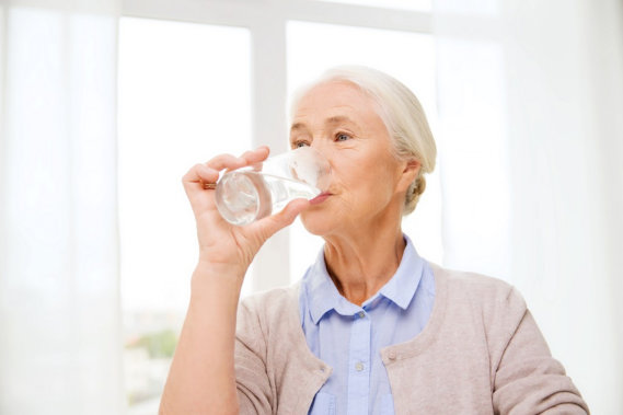 Tips for Seniors to Keep Hydrated